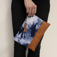 Blue Shibori Clutch, Hand Dyed Purse, Navy Tie Dye Clutch, Shibori Bag, Hand Dyed Clutch, Tassel Bag, Blue Clutch, Navy White Clutch