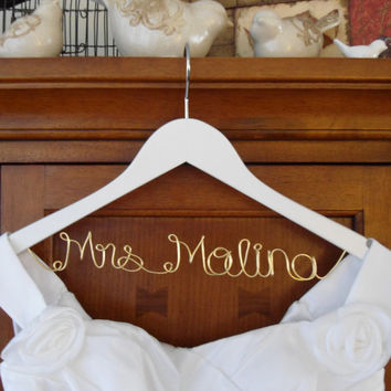 White Personalized Bridal Hanger one Line gold wire, Custom Bridal Hanger, Brides Hanger, Name, Wedding Hanger, Wedding Dress Hanger, Shower