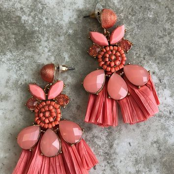 Pretty As A Picture Earrings: Coral