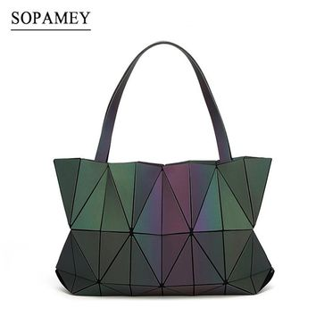 2017 New Baobao Bags Women Handbag Geometry Totes Sequins Mirror Saser Plain Folding Shoulder Bags Luminous Bag Bao Bao Hologram