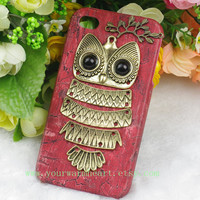 Owl Iphone 4 case, Iphone 4s Case, Iphone Case, red Iphone 4 cases, Vintage style owl with Brass Branch Hard Case Cover