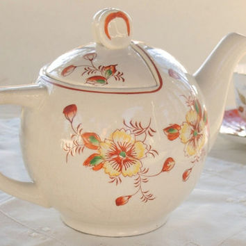 Vintage Round Tea Pot, Made in Japan, Tea Party, Housewarming Gift Inspired
