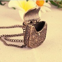 Womens Vintage Retro Beautiful carved metal necklace Sweater Pendant/Chain Hot