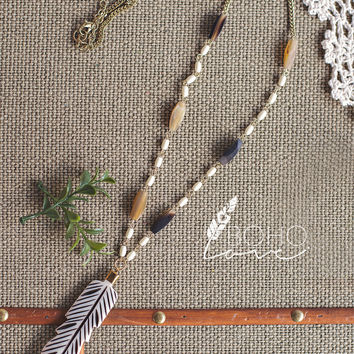 Boho Feather Embossed Pendent Necklace