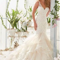 [236.99] Chic Tulle & Organza Satin V-neck Neckline Mermaid Wedding Dresses with Beaded Lace Appliques - Dressilyme.com