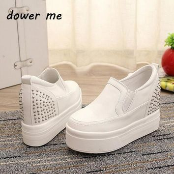 2017 New Fashion Heavy-Bottomed Platform Casual Shoes Loafers Hidden Wedge Heels Rivet High Heels Shoes Women White Sneakers