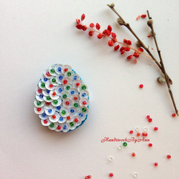 Easter Brooch, Easter Egg Brooch, Happy Easter Present, Shirt Brooch, Coat Brooch, Easter Accessories, Easter Gift for Her