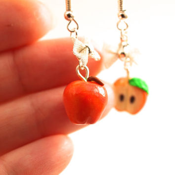 Red Apple Earrings, Realistic Red Apple, Miniature Food Jewelry, Fruit Earrings, Kawaii Fruit, Polymer Clay, Apple, Snow White, OUAT