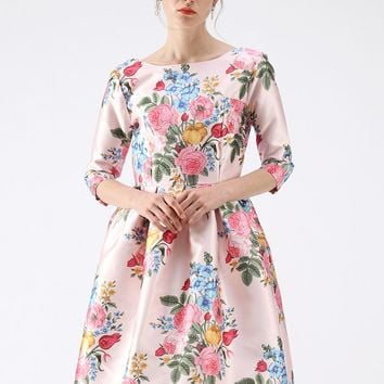 Compelling Bouquet Printed Midi Dress in Pink