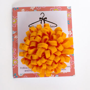 orange flower hair clip - marigold hair clip - orange flower clip - toddler accessories - baby hair clip - felt flowers - summer flowers