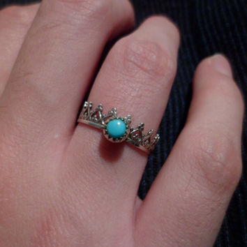 Navajo,Native American Southwestern sterling silver sleeping beauty turquoise queen hearts crown princess tiara dainty ring. size 7