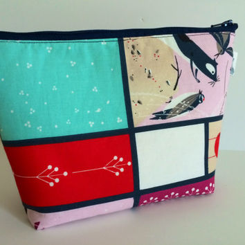 Feeding Station Cosmetic Bag Makeup Bag Gadget