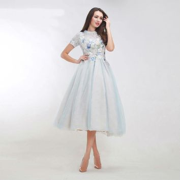 Vintage Prom Dresses with Short Sleeves Elegant Appliques See-Through Tea-Length Lace Tulle A-line Evening Dress