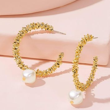 Faux Pearl Decor Textured Cuff Hoop Earrings 1Pair