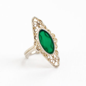 Vintage Sterling Silver Simulated Chrysoprase Ring - Retro Filigree Hallmarked Beau Adjustable Green Stone Statement Shield Jewelry