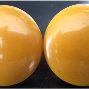 Butterscotch Bakelite Disc Button Top Vintatge Screwback Earrings