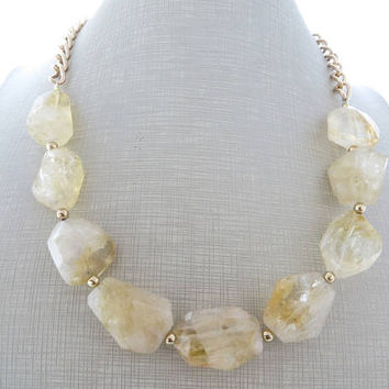Yellow chunky necklace, citrine necklace, rock necklace, big bold necklace, gemstone choker, beaded necklace, modern jewelry, gioielli