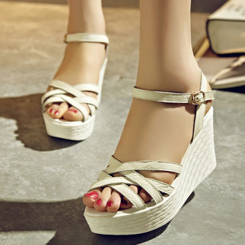 Stylish Design Summer Wedge Korean Sandals = 4871117252