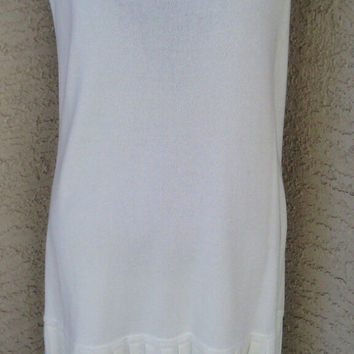 Dress Liz Claiborne Spring sleeveless white pleated hem green trim medium Petites cotton rayon classic feminine easter dress