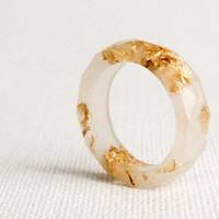 pale rose gold size 4 thin multifaceted eco resin ring featuring gold leaf flakes