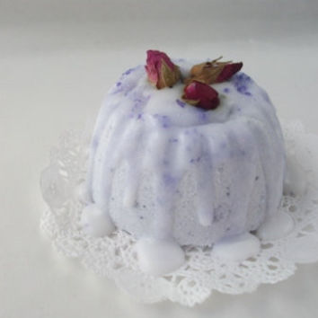 Lavender Bath Bomb by witnwhim on Etsy