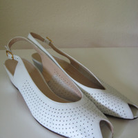 Vintage 80's 90's Salvatore Ferragamo White Italian Leather Slingback Peeptoe Low Heel Women's Shoe 8.5 A3