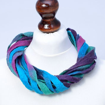 Multi strand ribbon turquoise thick felt wool necklace - [N57]