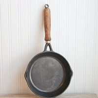 Cast iron Cookware, Vintage Cookware, Casr Iron Skillet, Taiwan, Vintage Skillet, Rustic Kitchen, Cabin Decor, Camping pot, Camping Skillet