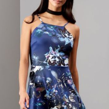 Buy Lipsy Floral Foil Print Apron Skater Dress online today at Next: Deutschland