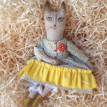 Yellow cat figurine Handmade cat in yellow dress Textile cat doll Fabric Primitive cat doll Rag cat Interior cat Fabric cat