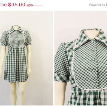 SALE Vintage Dress 60s Mod Mini Dress Pommy Jrs Green & White Gingham Plaid Modern Small