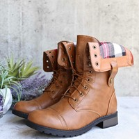 adjustable classic combat boot - camel