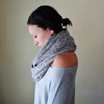 Salt and Pepper Infinity Scarf - Chunky Circle Scarf - Speckled Sweater Scarf - Fashion Scarf - Chunky Infinity Cowl - Winter Scarf - Snood