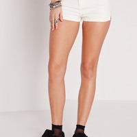 Missguided - vice tube denim shorts white