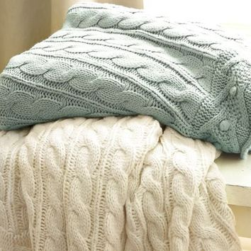 Cable-Knit Throw