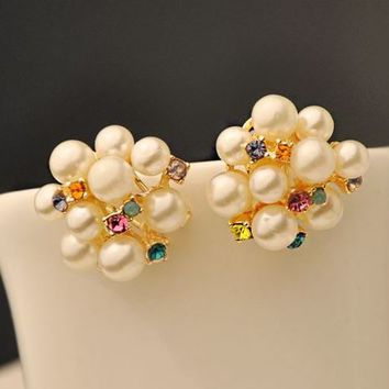 Pearl Flower Bouquet Fashion Ear Clips - LilyFair Jewelry