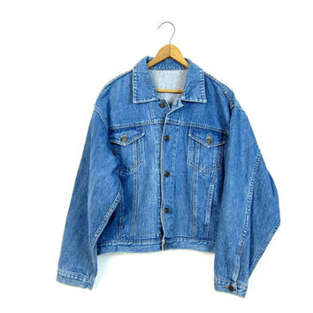Vintage Jean Jacket Medium Wash Blue Denim Jacket Hip Cropped Button Up Boho Hipster Grunge Denim Coat Womens size Medium Large Dells