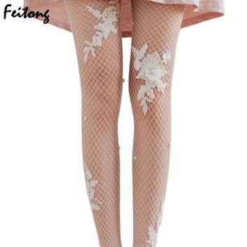 Sexy Stockings New 2017 Women Thigh High Transparent Fishnet Silk Applique with Rose Flowers Stockings Lady Mesh Pantyhose