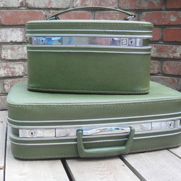 Green 1960s Samsonite Luggage - Fashionaire - Set of Two - Train Case