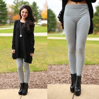 The Perfect Leggings in Light Grey