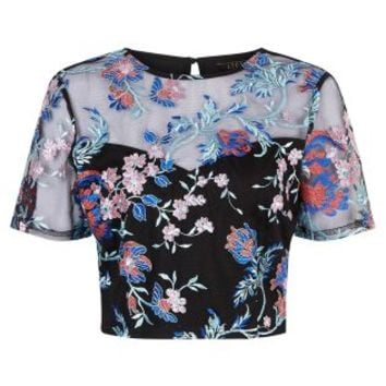 Buy Lipsy Embroidered Co-ord Crop Top online today at Next: Deutschland