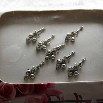 Tear Drop Bindis in Silver Tone. Pretty Collection.