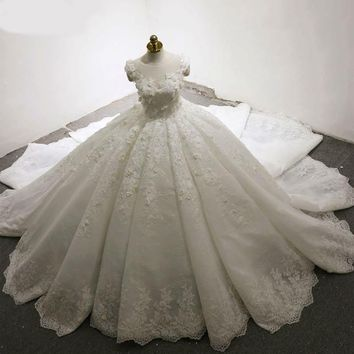 Wedding Dress Unique Scoop Neck Ball Gown Wedding Dresses Chapel Train With Lace Beading