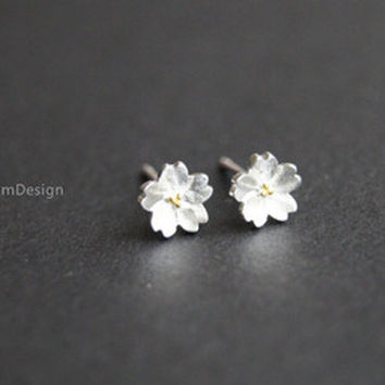 Earrings--925 Sterling Silver flower earrings,sakura earrings,simple earrings