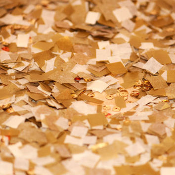 Confetti // tissue paper // gold ivory & sequin confetti // sparkly // wedding // bridal shower // birthday party // table decoration