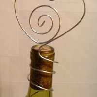 15 Bottle topper wire heart for parties, weddings, holds table nubers.