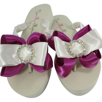 Custom design your colors for these beautiful Regal Circle wedding flip flops. Bride & bridesmaids, Festive Fuchsia Bridal party flip flops