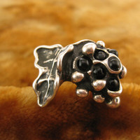 Size 8.5 - Vintage Art Deco Sculpture Black Grape Sterling Silver Ring