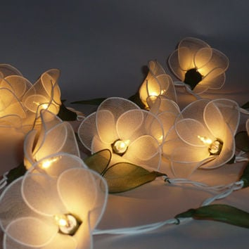 20 WHITE FLOWER STRING PARTY,PATIO,FAIRY,DECOR,CHRISTMAS,WEDDING,BEDROOM LIGHTS