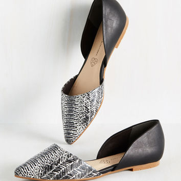 BC Footwear Miss Fancy Prance Flat in Black and White | Mod Retro Vintage Flats | ModCloth.com